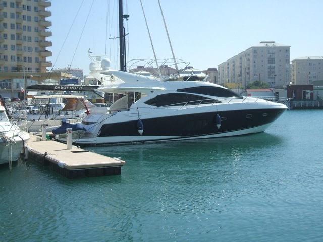 Sunseeker Manhattan 70  Exterior (img-0)