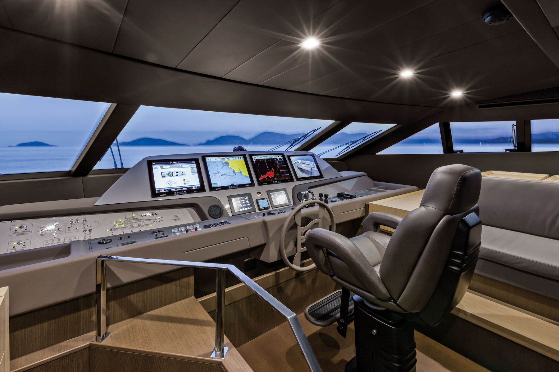 Ferretti 960 Interior (img-0)
