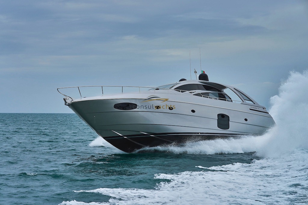 Pershing 70 undefined Exterior (img-0)