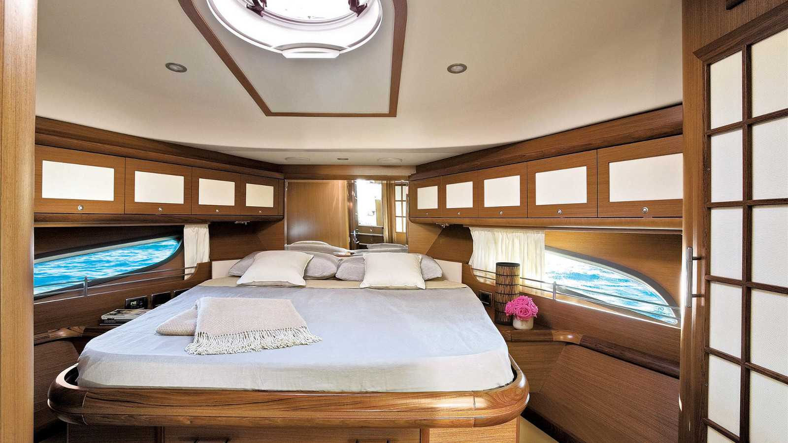 Mochi Craft Dolphin 54' Interior (img-0)