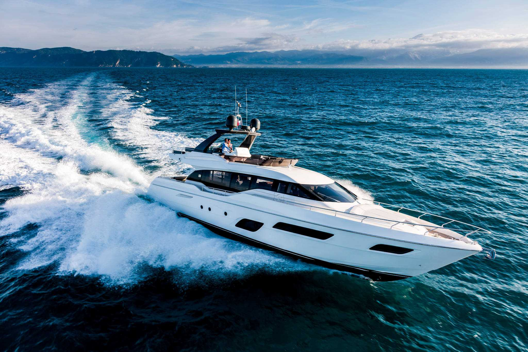 Ferretti 700 Virtual Tour