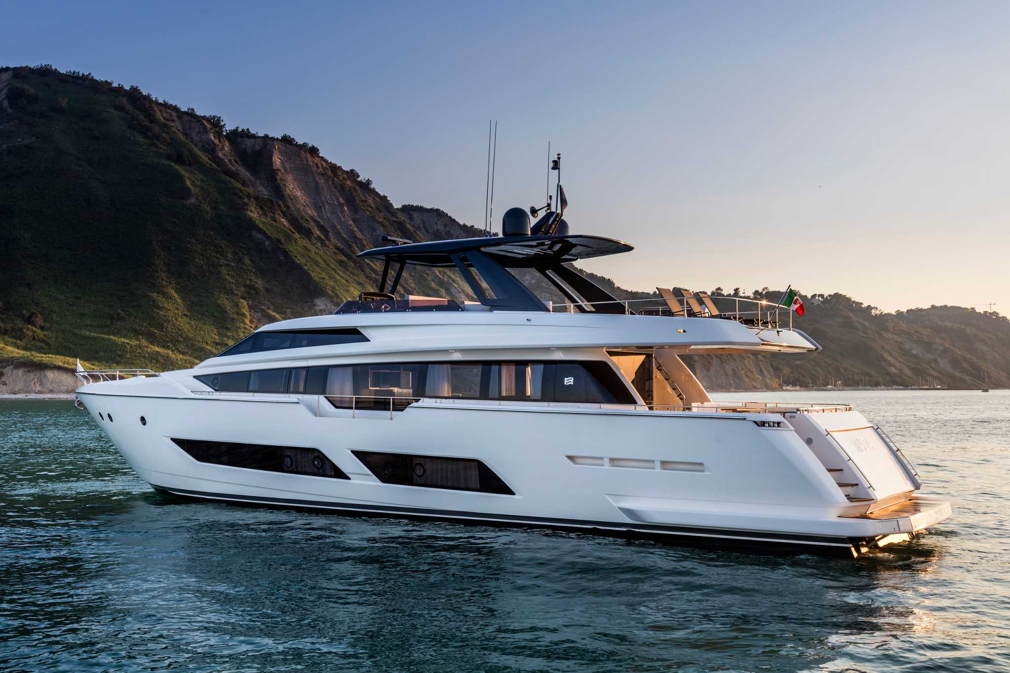 Ferretti 850 Virtual Tour