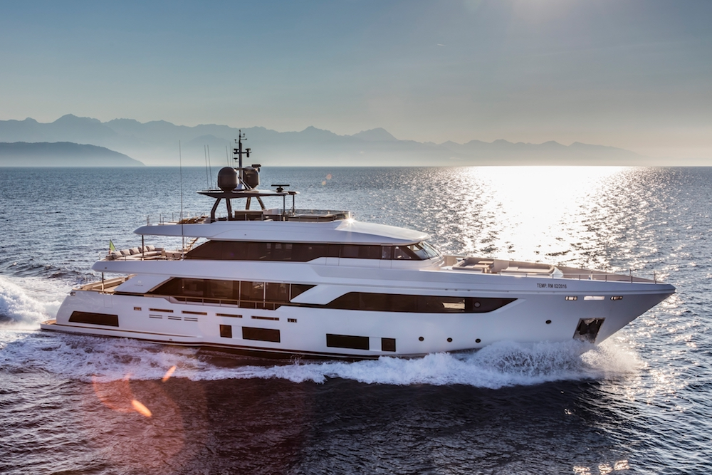 Custom Line Navetta 37 New Virtual Tour