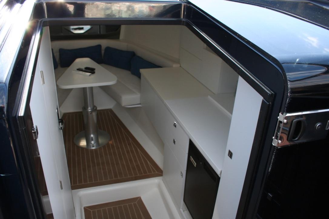 Van Ducht 40 undefined Interior (img-0)