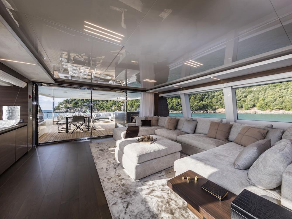 Custom Line Navetta 37 New Interior (img-0)