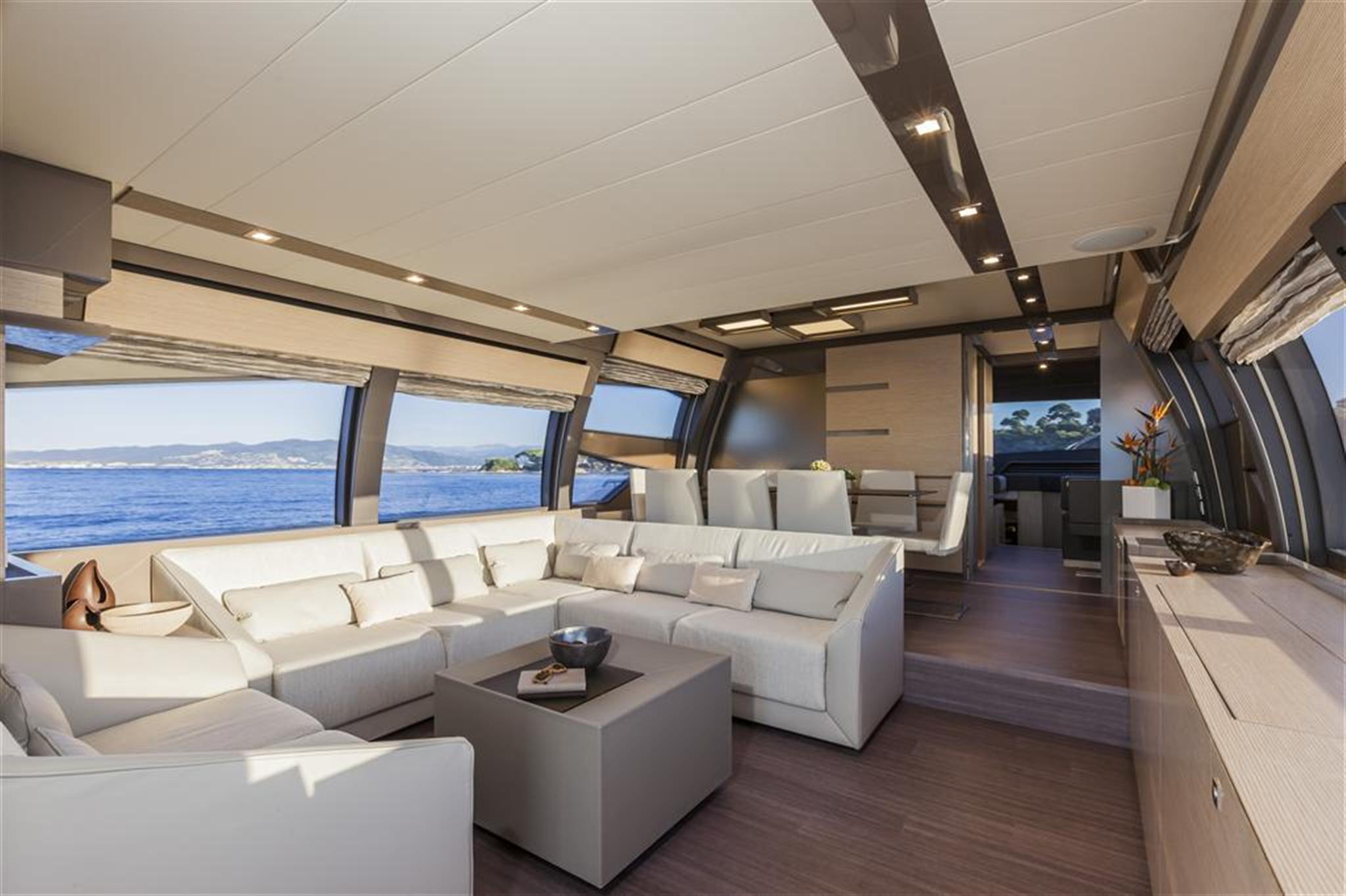 Ferretti 750 undefined Interior (img-0)