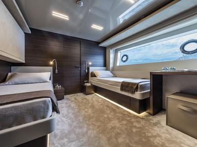 Custom Line Navetta 37 New Interior (img-23)