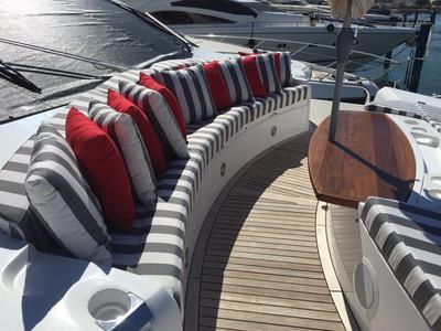 Sunseeker Yacht 88 Exterior (img-2)