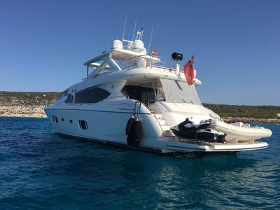Sunseeker Yacht 88 Exterior (img-3)