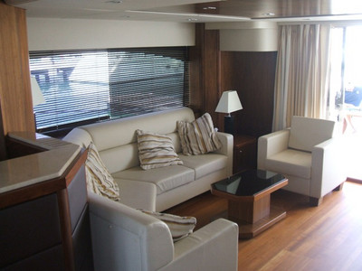 Sunseeker Manhattan 70 Exterior (img-2)