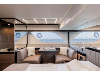 Ferretti 550 Interior (img-9)