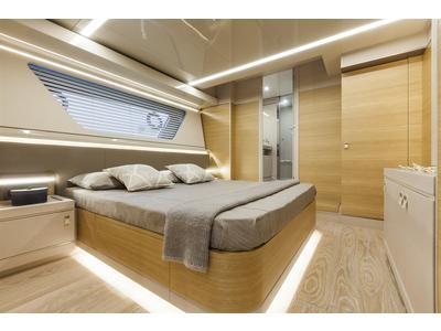 Custom Line Navetta 28 Interior (img-8)
