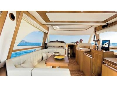 Mochi Craft Dolphin 54' Interior (img-1)