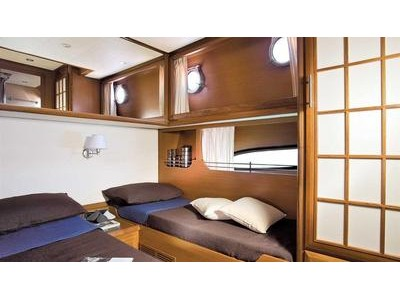 Mochi Craft Dolphin 54' Interior (img-6)