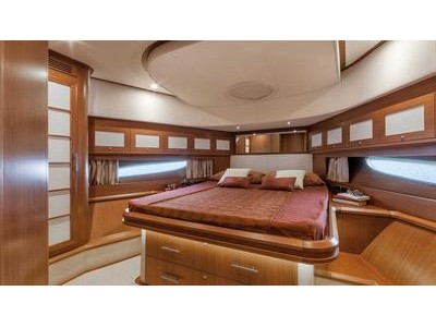 Mochi Craft Dolphin 64' Cruiser Interior (img-8)
