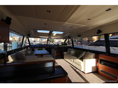 Prestige 620 S Interior (img-1)