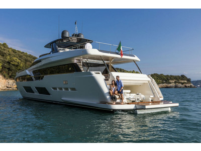 Ferretti 920 New Exterior (img-6)