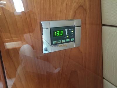 Sunseeker Portofino 47 Interior (img-3)