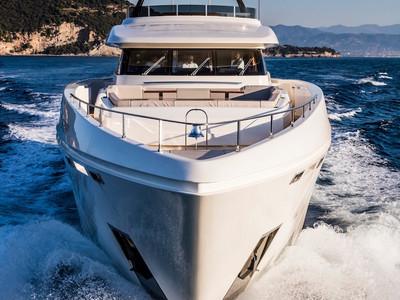 Custom Line Navetta 37 New Exterior (img-11)