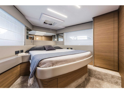 Ferretti 450 Interior (img-8)