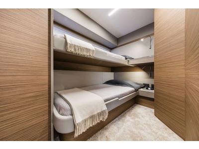 Ferretti 450 Interior (img-10)