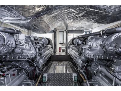 Pershing 9x Interior (img-7)