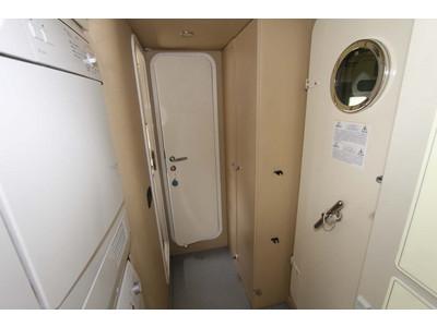 Ferretti 731 Interior (img-24)