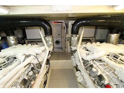 Ferretti 731 Interior (img-27)