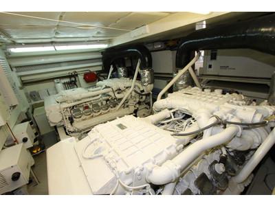 Ferretti 731 Interior (img-28)