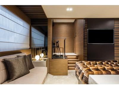 Ferretti 670 Interior (img-9)