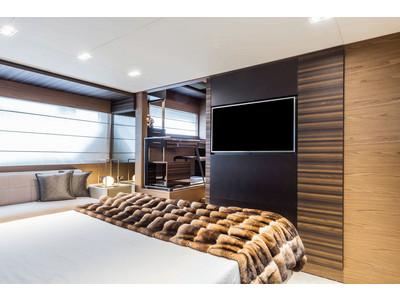 Ferretti 670 Interior (img-11)