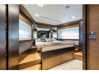 Ferretti 670 New Interior (img-15)