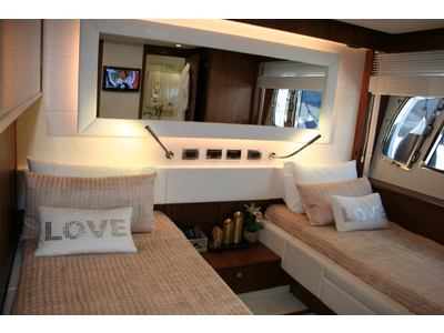 Sunseeker Yacht 88 Interior (img-8)