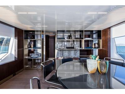 Ferretti 850 Interior (img-4)