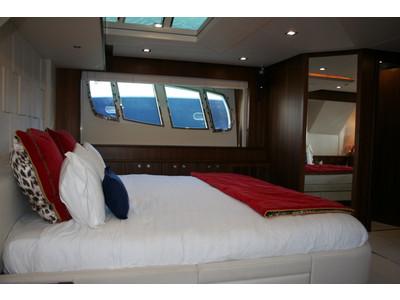 Sunseeker Yacht 88 Interior (img-11)