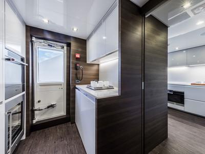 Custom Line Navetta 37 New Interior (img-9)