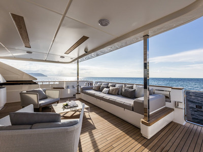 Custom Line Navetta 37 New Interior (img-16)