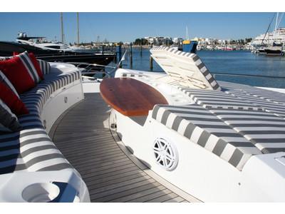 Sunseeker Yacht 88 Exterior (img-14)