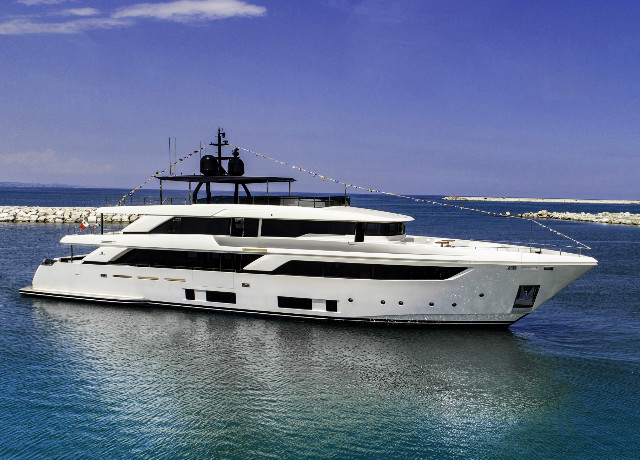 First Navetta 42 launched, the new Custom Line flagship image